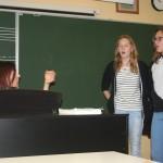 Oddelek solopetja na obisku pri naših učencih