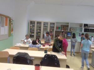 """12. 4. 2017 – Nadarjeni učenci: naravoslovna delavnica """"Naravna kozmetika"""""""